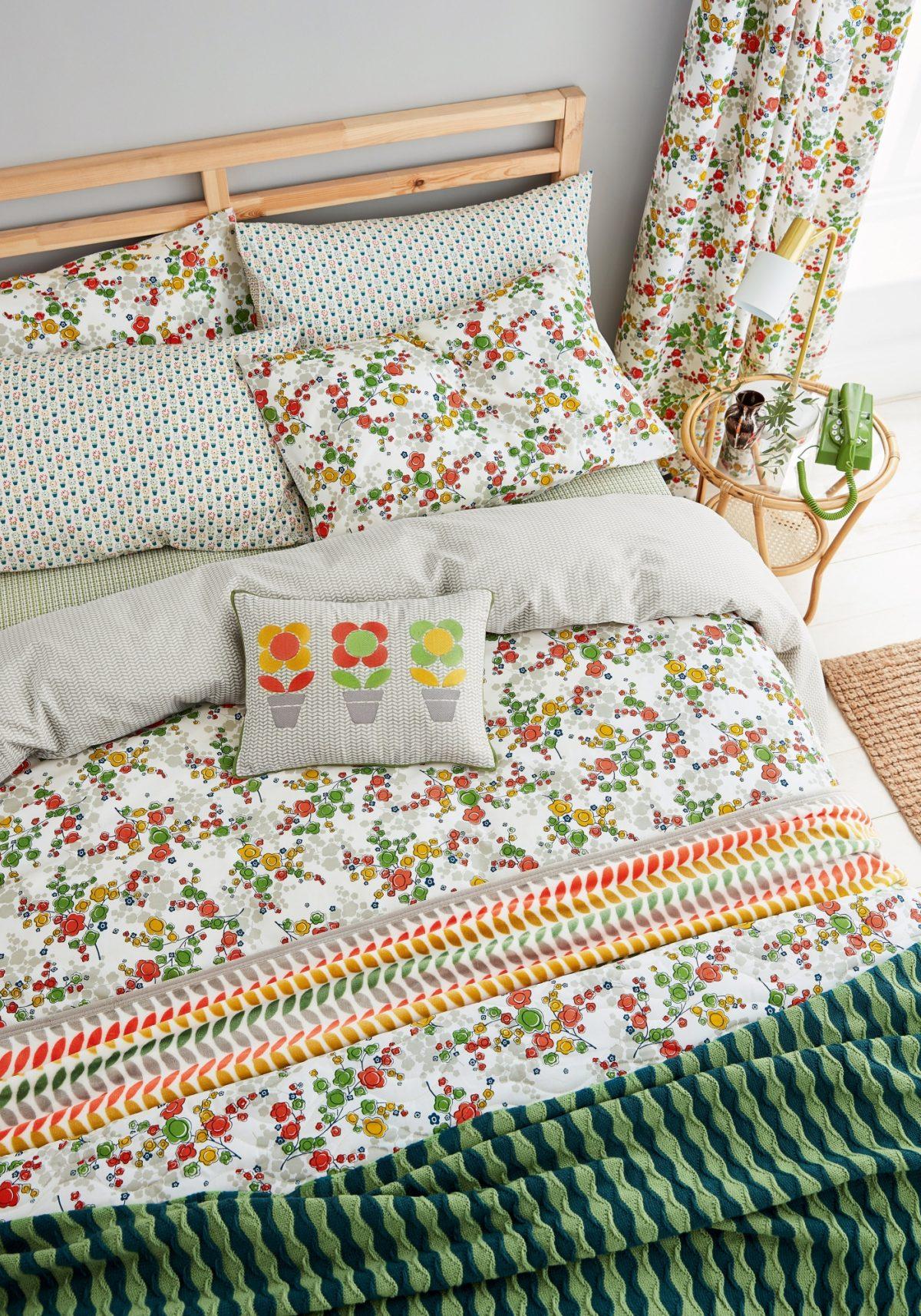 Hs April Spring Green Main Bed Hr