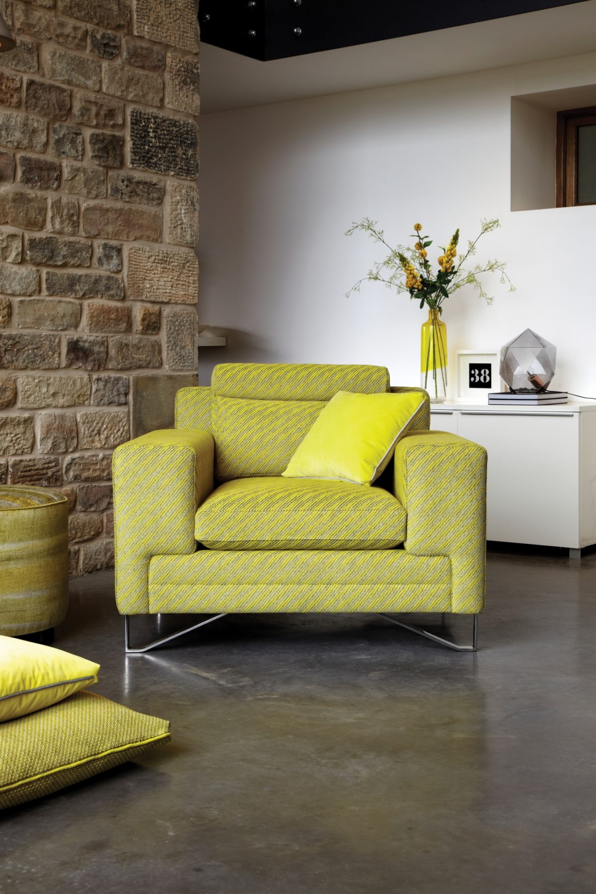 Metropolitan Reading Chair High Res Rgb