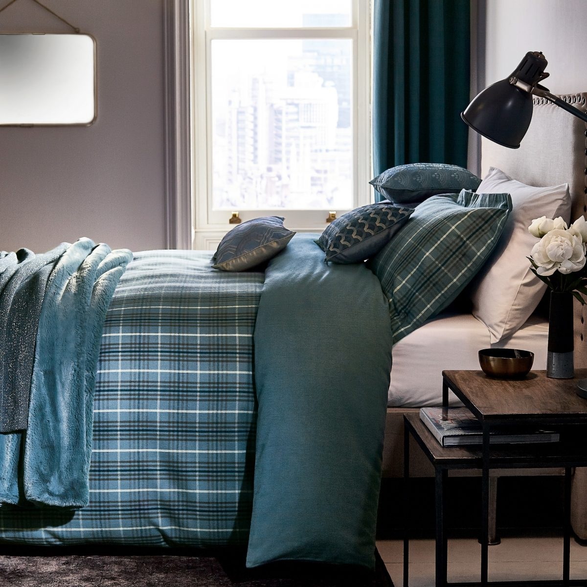 Pb Hotel Valloire Prussian Blue Main Bed Hr