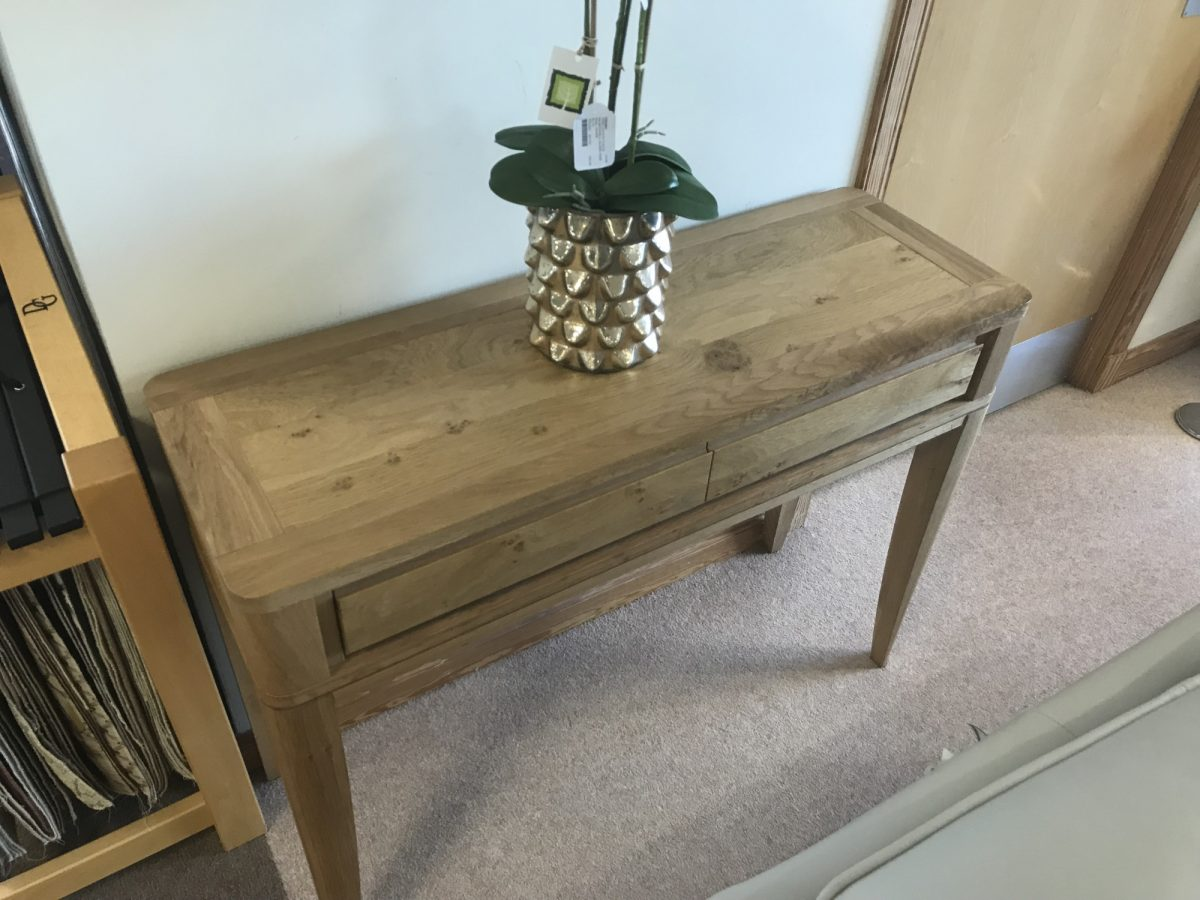 Grovsner Console Table 2